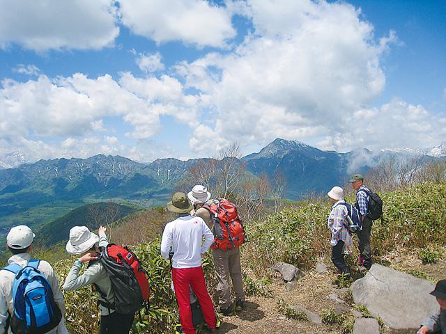 飯縄山登山ツアー